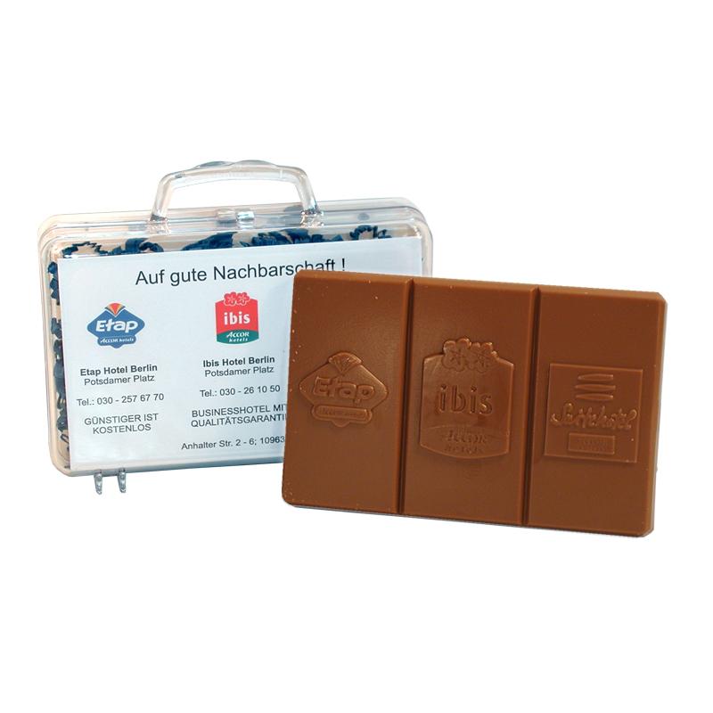 Schokoladenrelief im Acrylkoffer