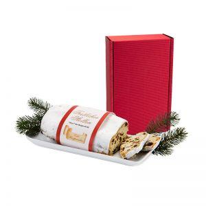 Christstollen im roten Geschenkkarton