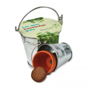 Kräuter-Saat im Zinkeimer mit Werbebanderole