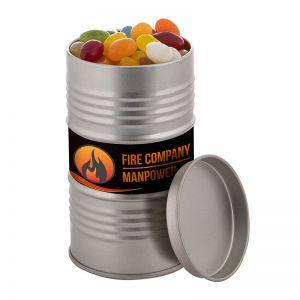 Ölfass befüllt mit Jelly Beans und mit Werbe-Etikett