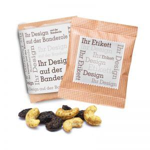 Snacks in Premium Flowpack mit Etikett oder Banderole
