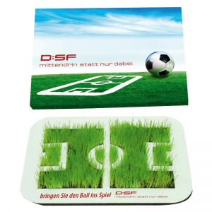 Wachsende Fußball Arena mit Ihrem Werbeslogan